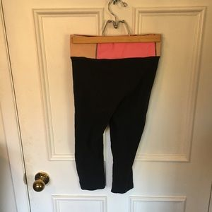 PINK cotton yoga capris. FREE with 2 other Items.